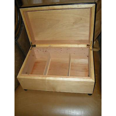 "designer furniture type  humidor Measures 16"" L x 11"" W x 6.75"" H"