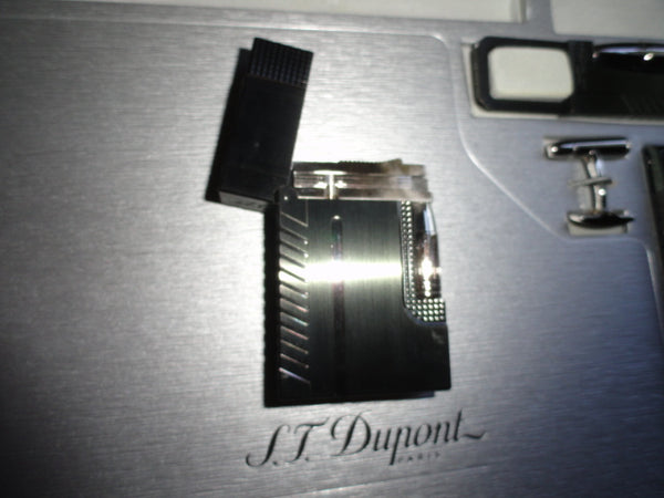 Dupont James Bond 007 Ltd  PVD Black Gatsby  Lighter without original box new