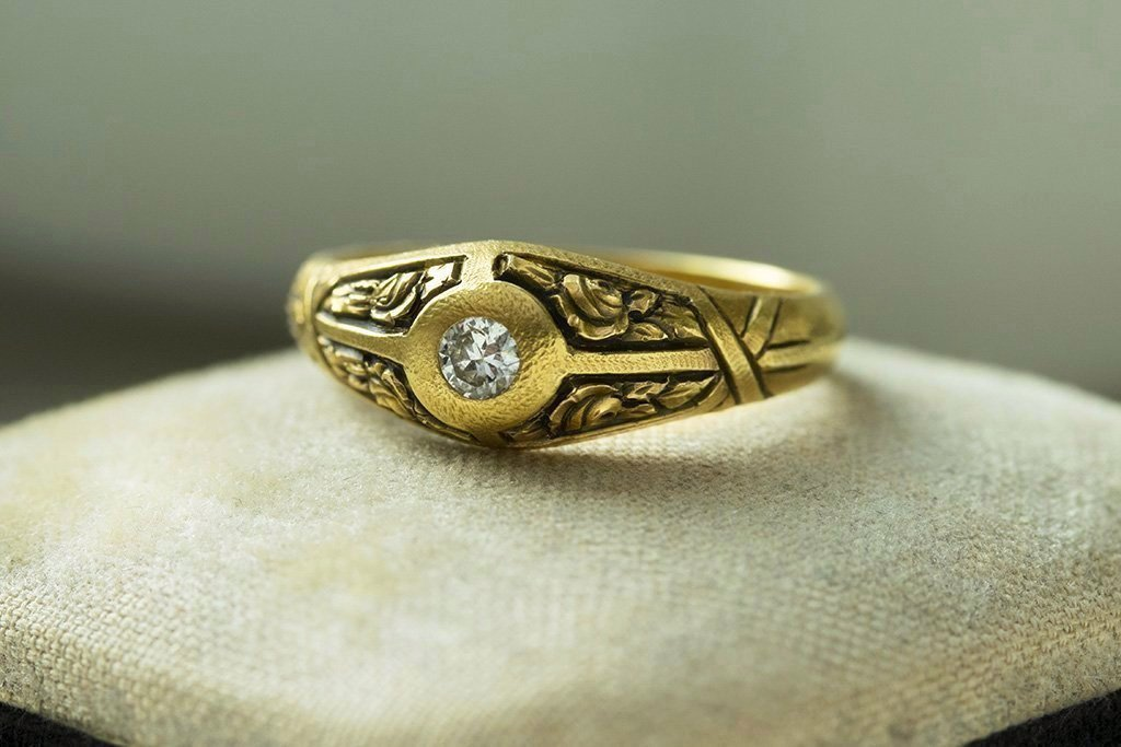 1920s French Diamond Ring with Deep Engravings