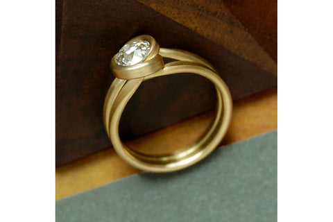 LH Embrace Diamond Ring