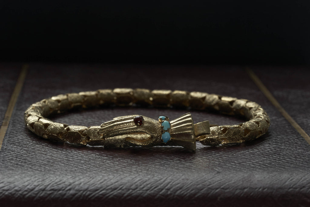 GF Victorian Bracelet with Hand-Shaped Clasp