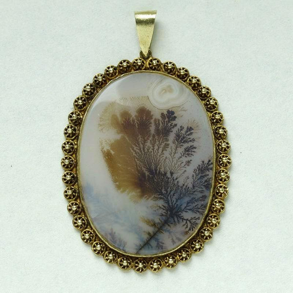 Large Victorian Agate Gold Pendant
