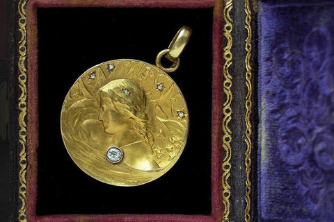 Art Nouveau Locket with Diamond