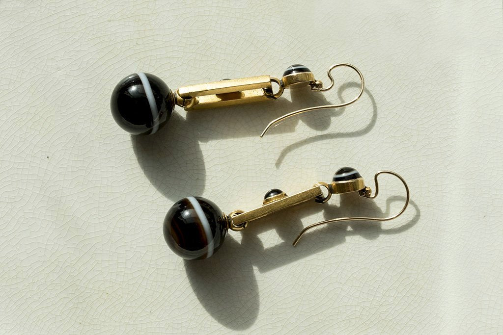 Victorian Banded Agate Gold Earrings