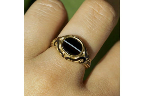 Victorian Banded Agate Black Enamel Mourning Ring