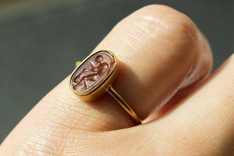 Ancient Roman 'Gleaner' Intaglio Ring