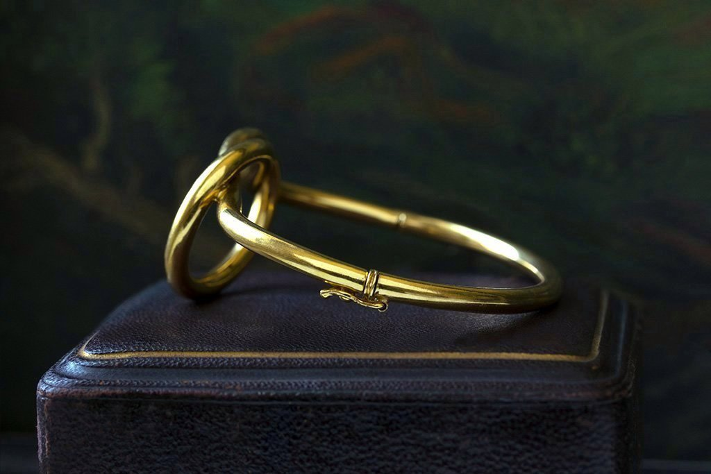 Victorian Love Knot Gold Bangle
