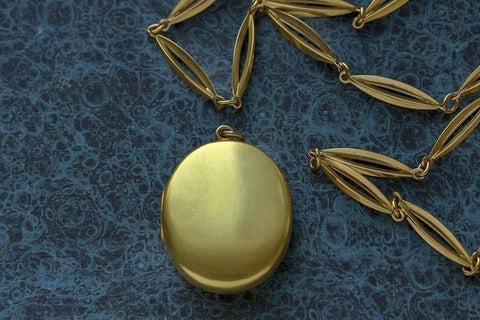 Mid Victorian Plain Gold Locket