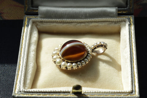 Early 19th Century Banded Agate and Pearl Locket