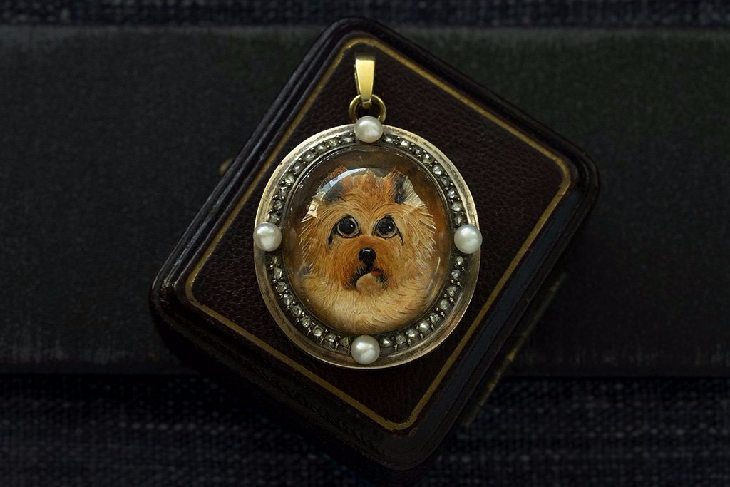 Victorian Essex Crystal Terrier Locket