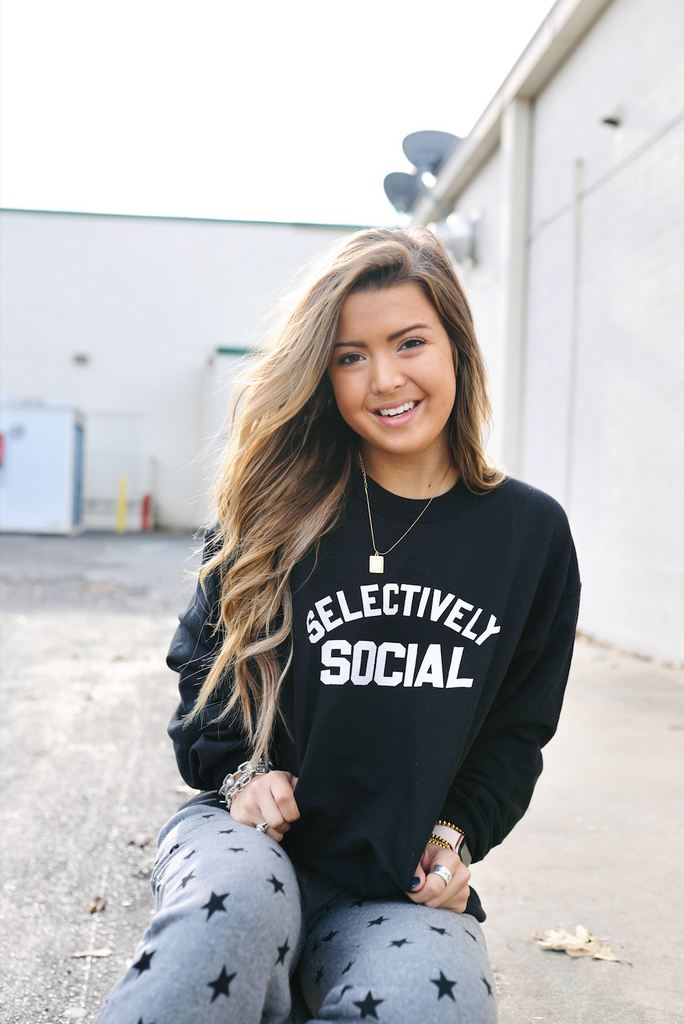 oversized graphic sweatshirt
