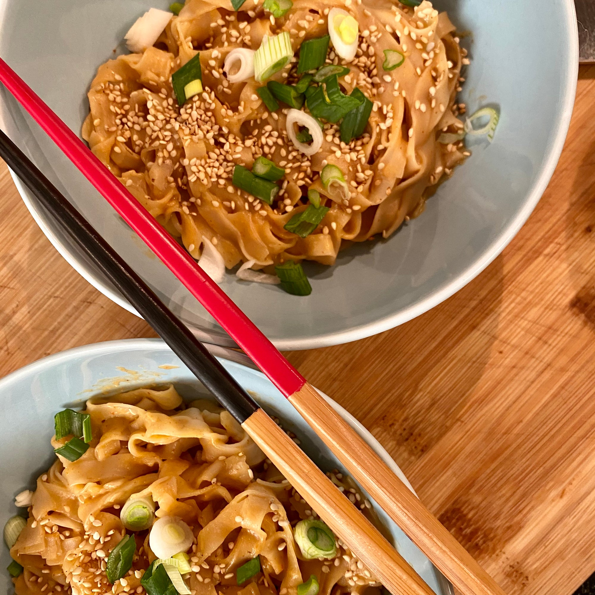 15 minute creamy and chilli noodles bowl