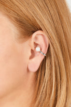 Load image into Gallery viewer, Pearl sterling silver ear cuff