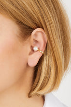 Load image into Gallery viewer, Pearl gold vermeil ear cuff