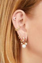Load image into Gallery viewer, Maya pearl gold vermeil earring