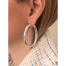Load image into Gallery viewer, Kiki silver hoops
