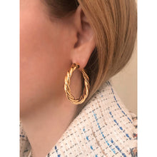 Load image into Gallery viewer, Tina 4 cm gold vermeil hoops