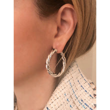 Load image into Gallery viewer, Tina 4 cm silver hoops