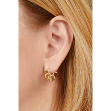Load image into Gallery viewer, Fan Chinoise gold vermeil earring