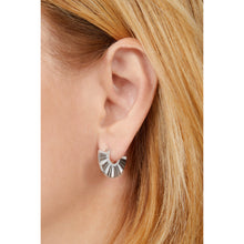 Load image into Gallery viewer, Fan Chinoise sterling silver earring