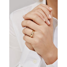 Load image into Gallery viewer, Simple band with white stone gold vermeil ring