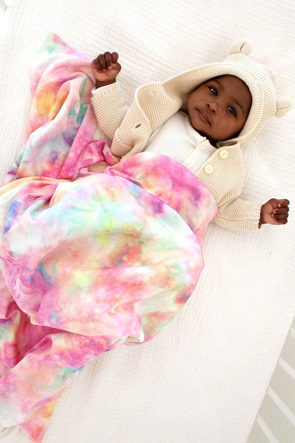 Woolf With Me Organic Swaddle Blanket Tie Dye color_pink