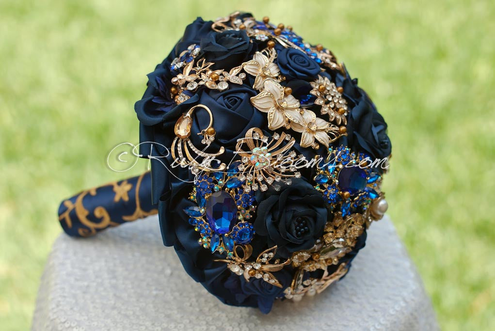 Ur my gold north navy blue and gold beach wedding brooch bouquetle ur my gold north navy blue and gold beach wedding brooch bouquet junglespirit Images