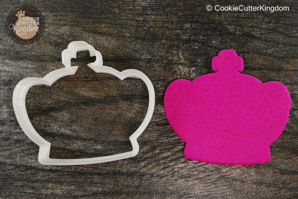 Fluffy Crown Cookie Cutter