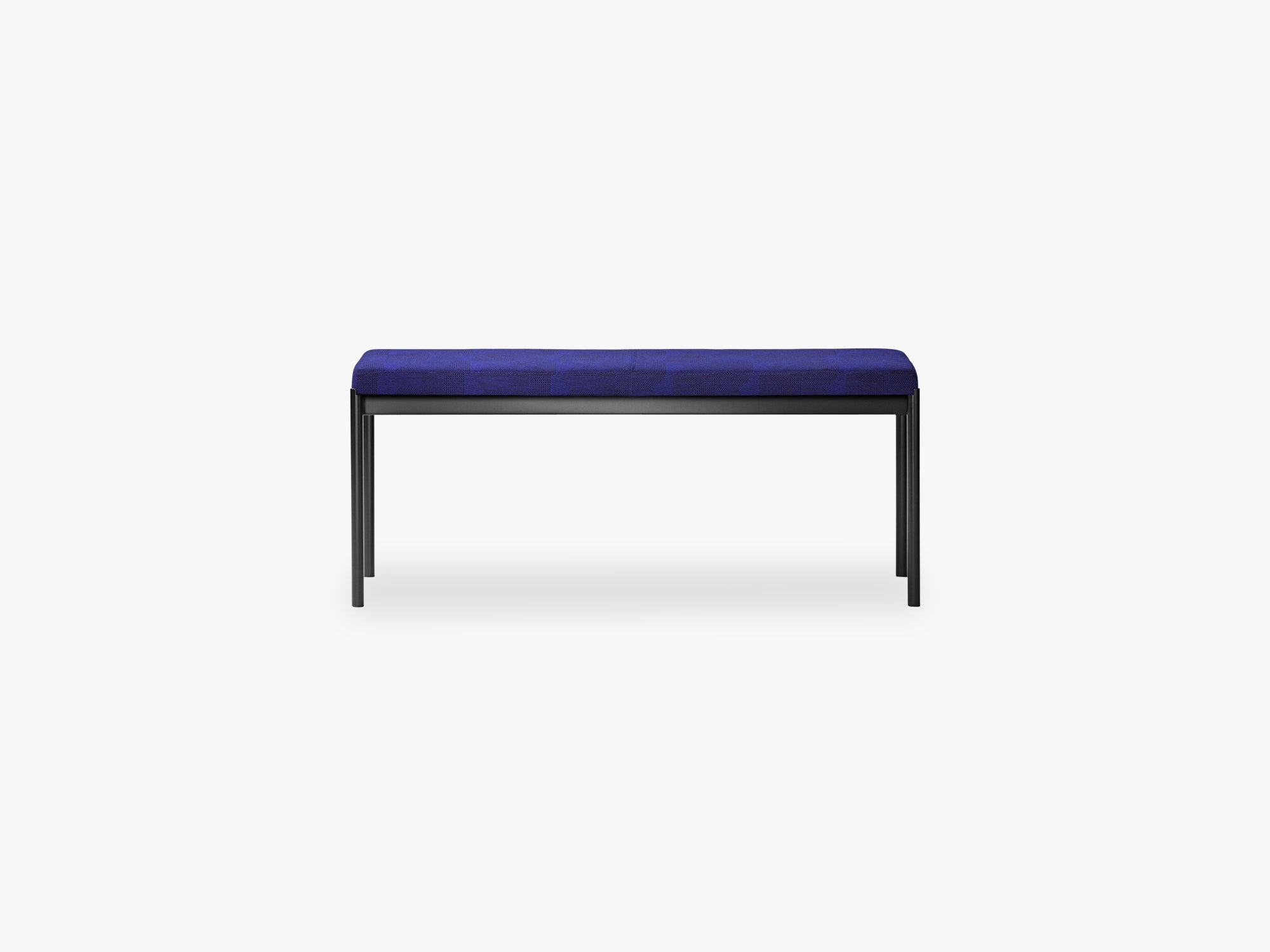 Mies Bench L110, Light Black/Skye Fabric fra MILLION
