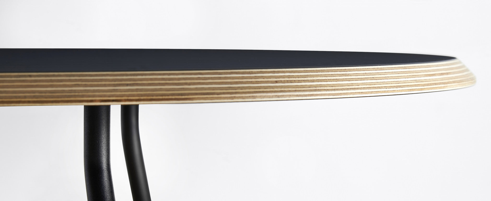 Ø60 High Soround Coffee Table fra WOUD
