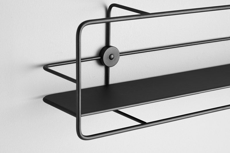 Coupé Horizontal Shelf Sort fra WOUD