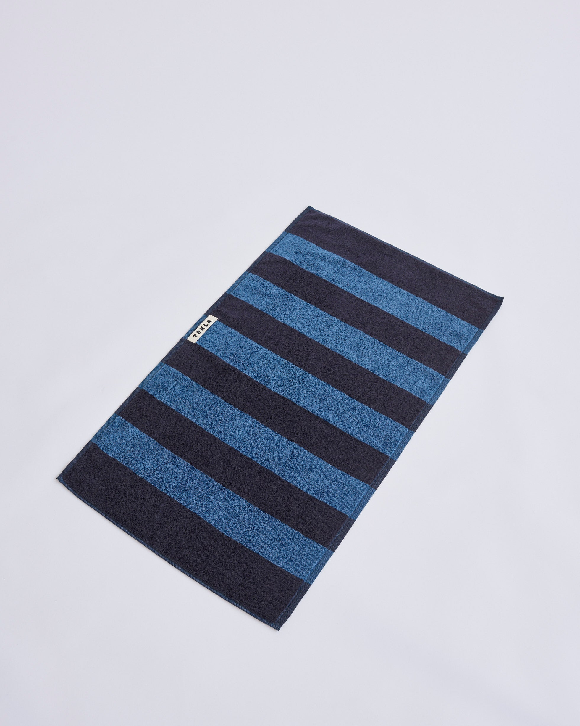 Bath Sheet, Dusty Navy fra Tekla Fabrics