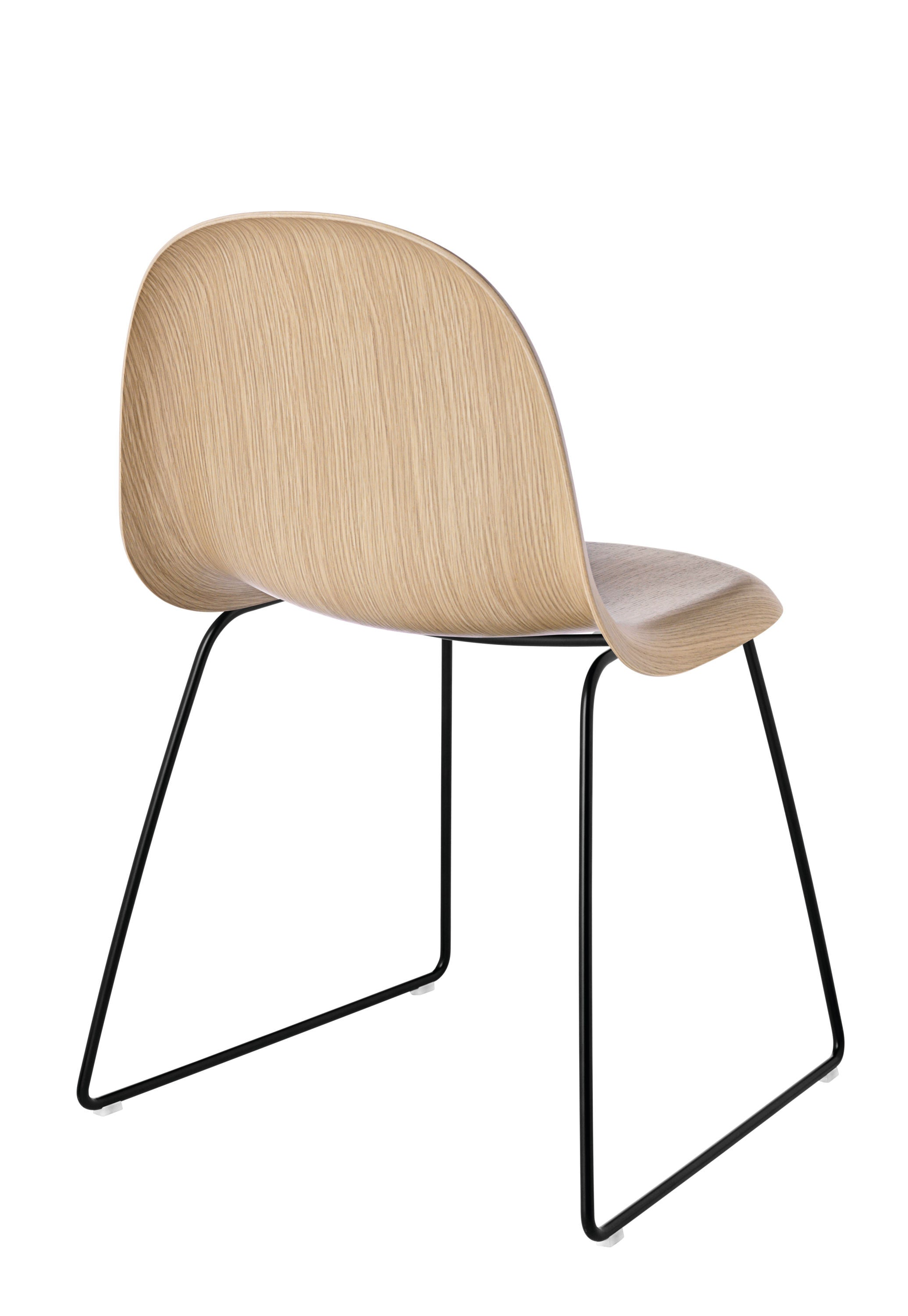 3D Dining Chair - Un-upholstered Sledge Black base, Oak shell fra GUBI