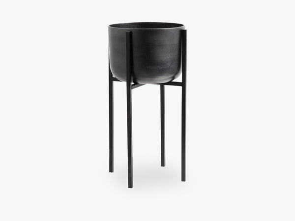 Planter on stand, medium, black oxidised fra Nordal