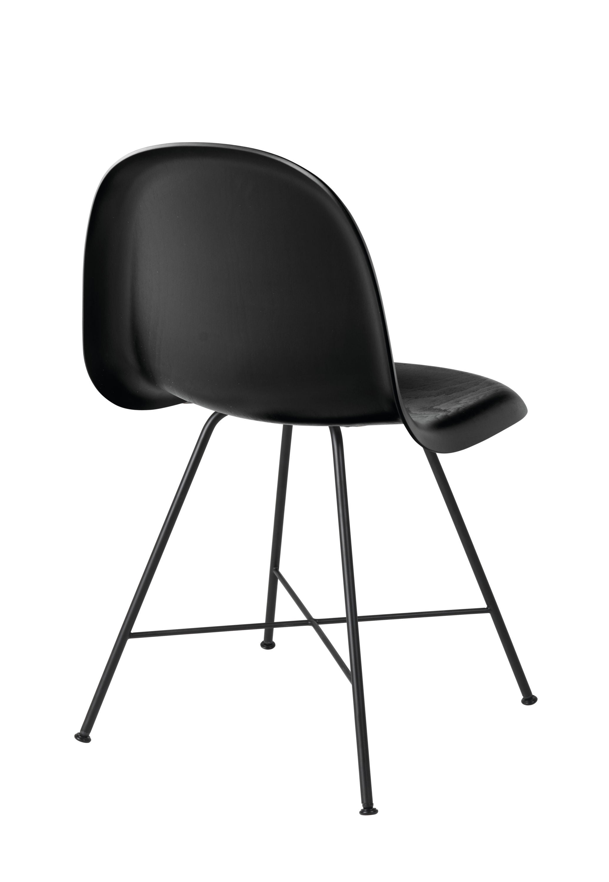 3D Dining Chair - Un-upholstered Center Black base, Black Stained Birch shell fra GUBI