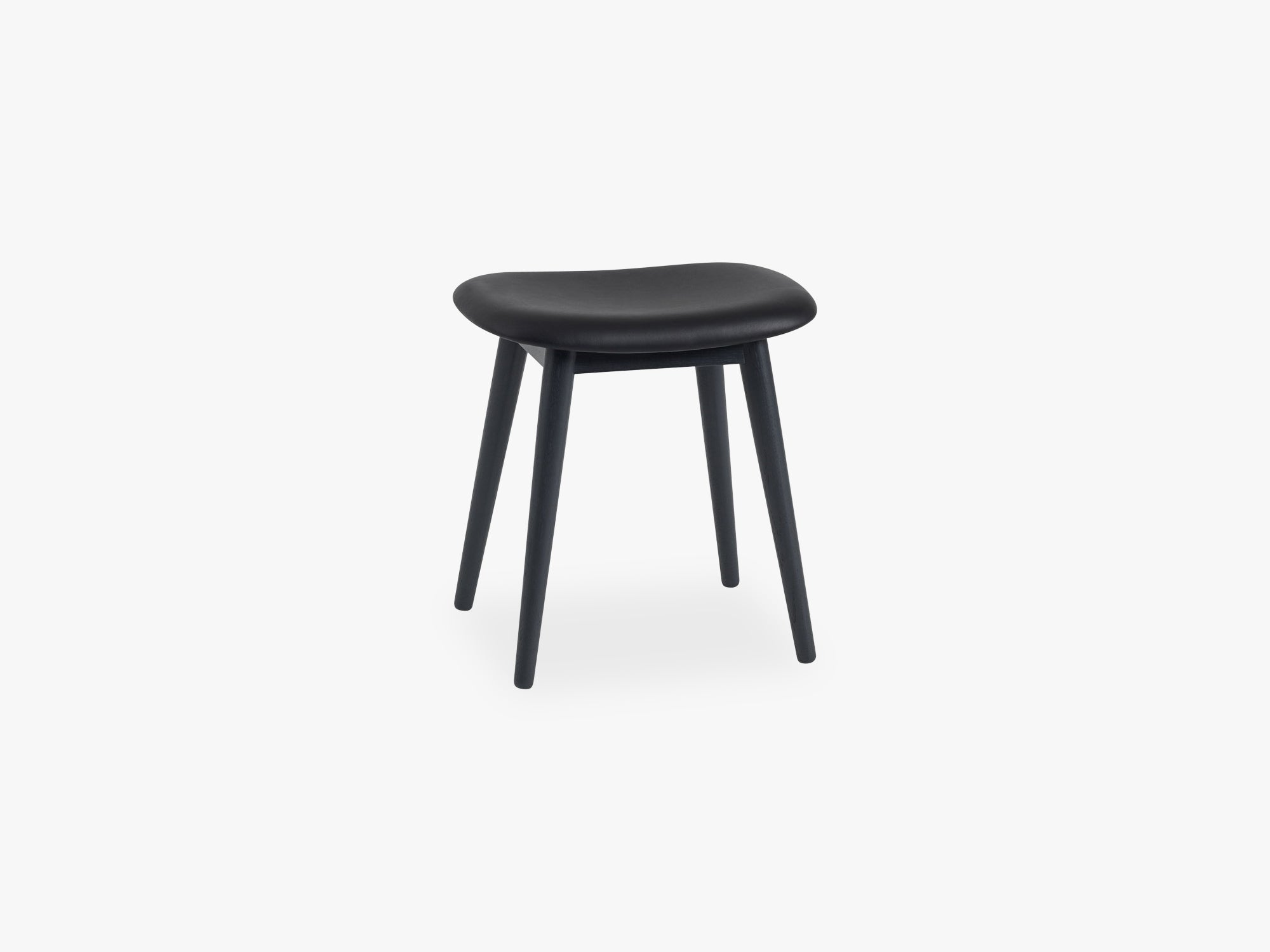 Fiber Stool - Wood Base H: 45 Cm, Silk Leather - Black/Black fra Muuto