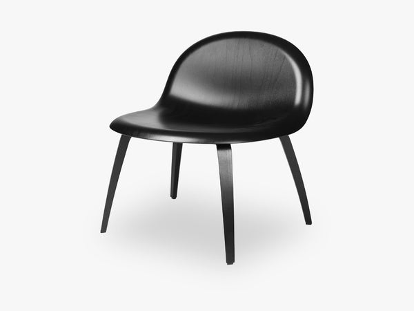 3D Lounge Chair - Un-upholstered Black Stained Beech base, Black Stained Beech shell fra GUBI