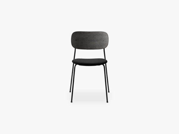 Co Chair Dining - Black Steel Base, Icon 246 Seat/Black Oak Back, Foam: CAL117 fra Menu