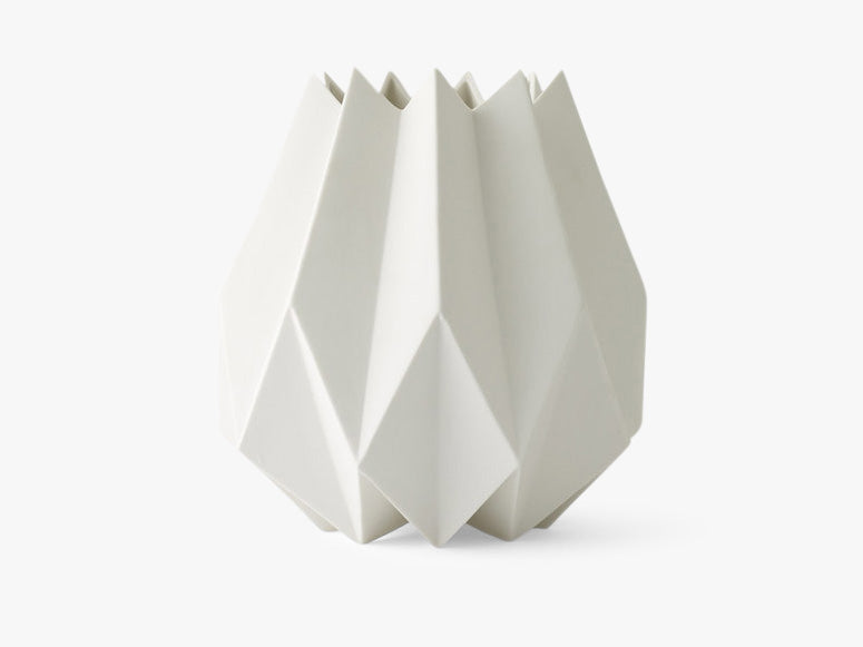Folded Vase, Tall, White fra Menu