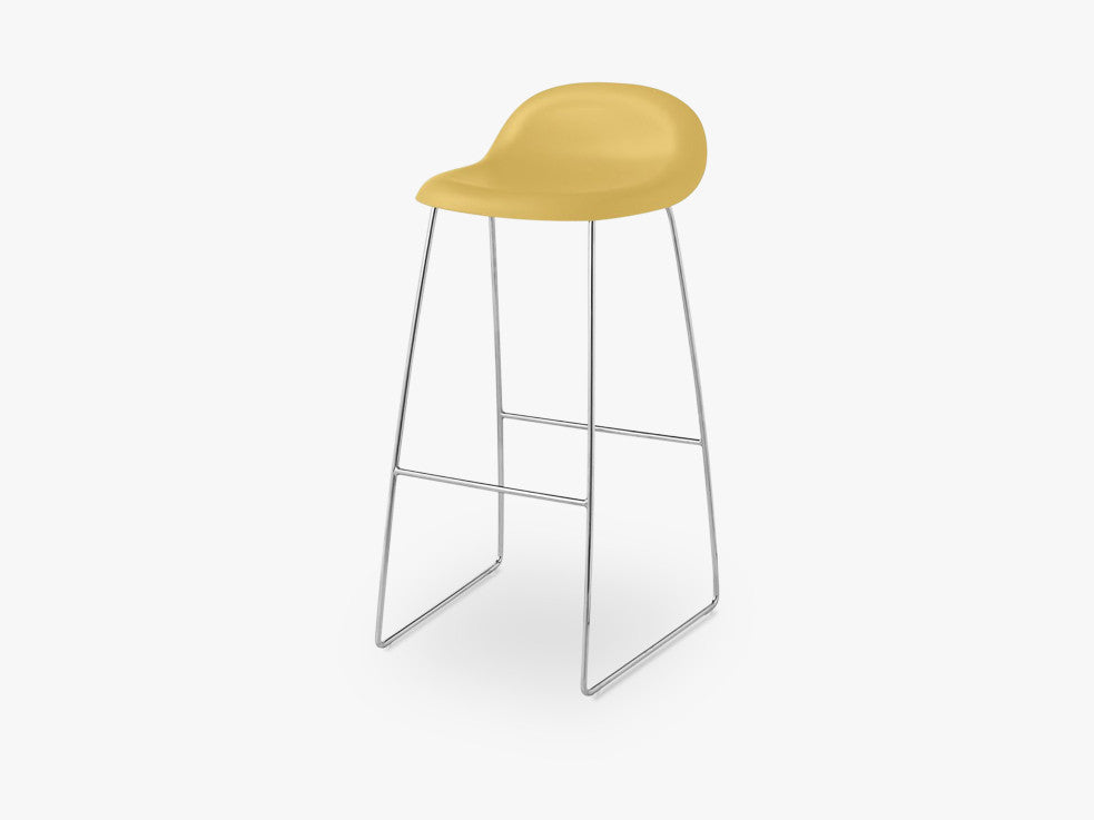 3D Bar Stool - Un-upholstered - 75 cm Sledge Crome base, Venetian Gold shell fra GUBI