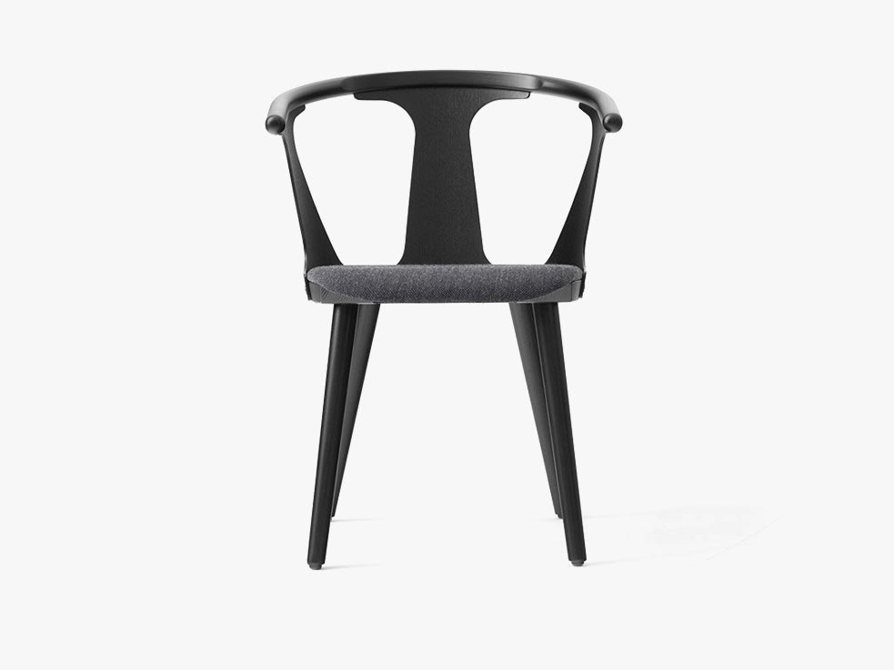 In Between Chair - SK2 - Black stained oak w. fiord fabric fra &tradition