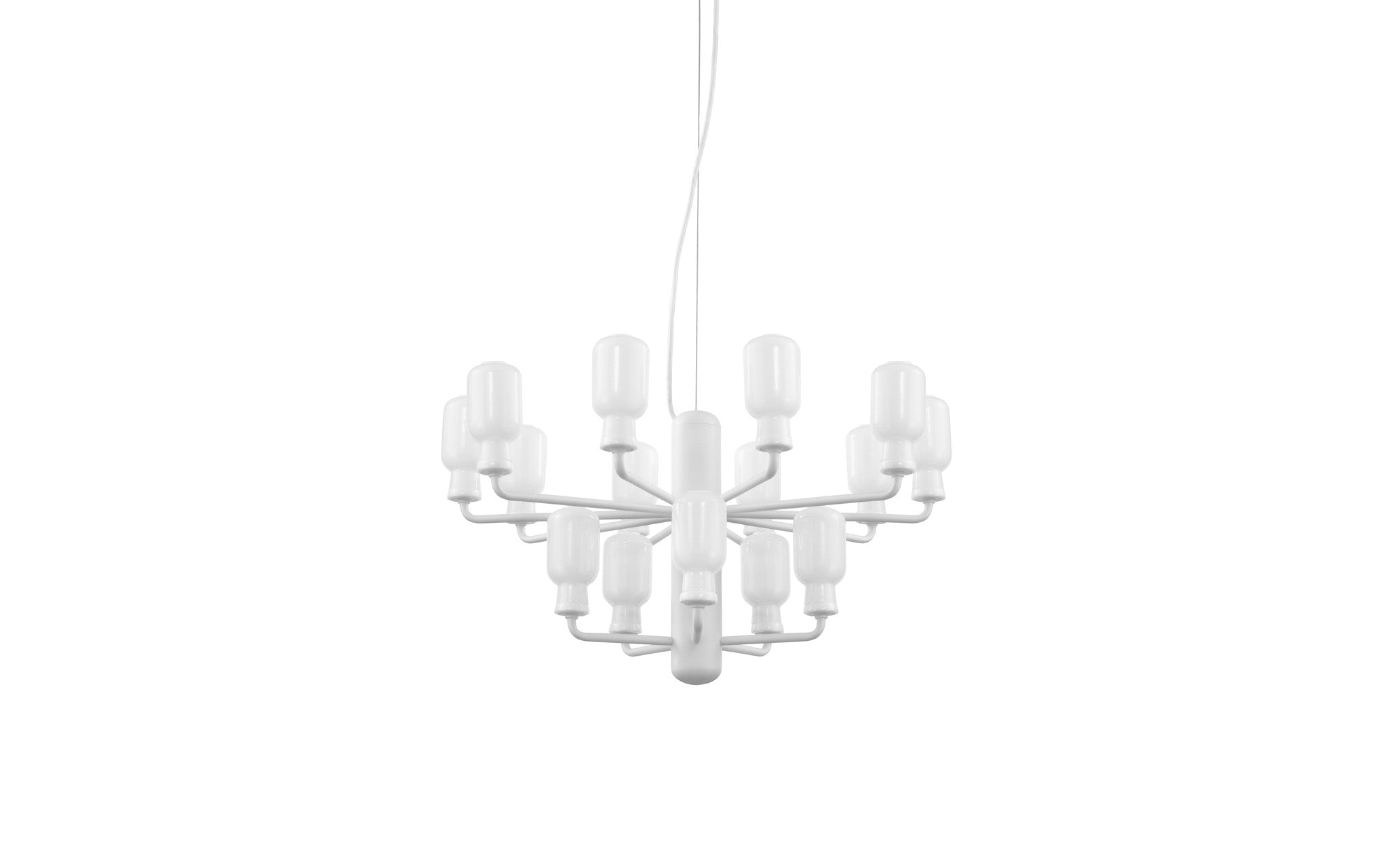 Amp Chandelier, White - Small fra Normann Copenhagen