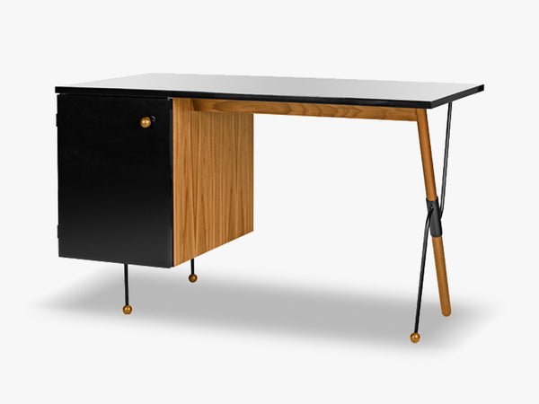 "Grossman Desk ""62-Series"", Walnut/Black fra GUBI"