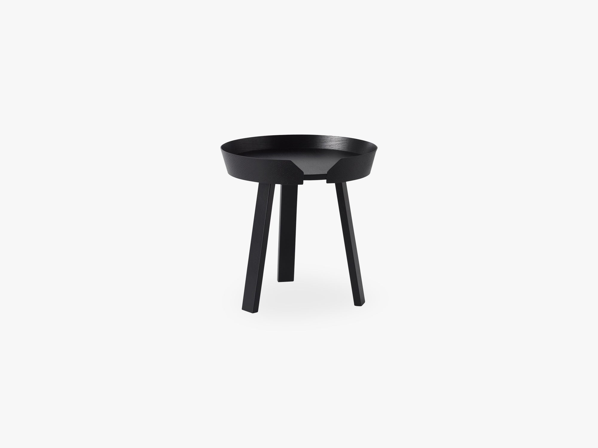 Around Coffee Table - Small, Black fra Muuto