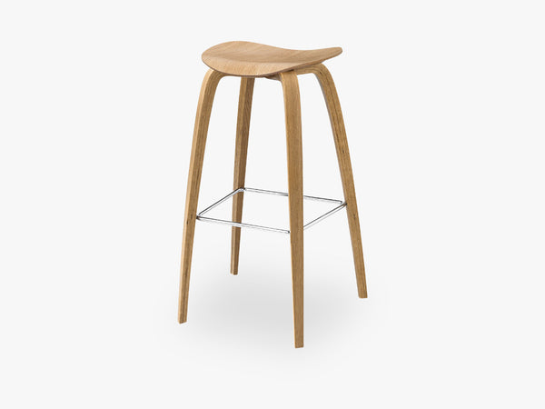 2D Bar Stool - Un-upholstered - 75 cm Oak base, Oak shell fra GUBI