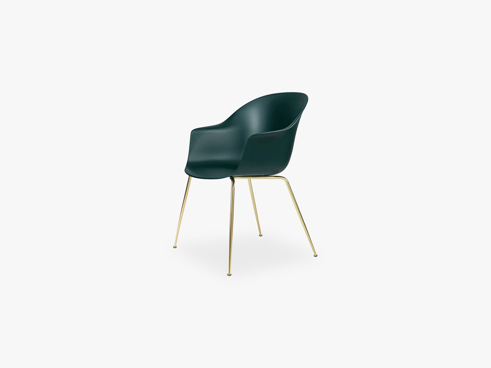Bat Dining Chair - Skal m Conic base - Brass Semi Matt, Dark Green fra GUBI