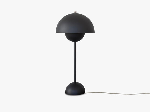 Flowerpot Table Lamp - VP3, Matt Black fra &tradition