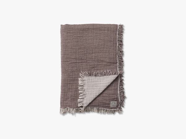 Collect Throw SC32, Cloud/Burgundy fra &tradition