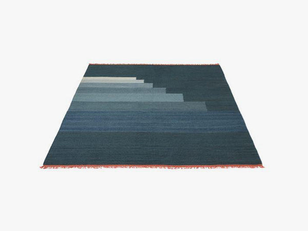 Another Rug - AP4, Blue Thunder fra &tradition
