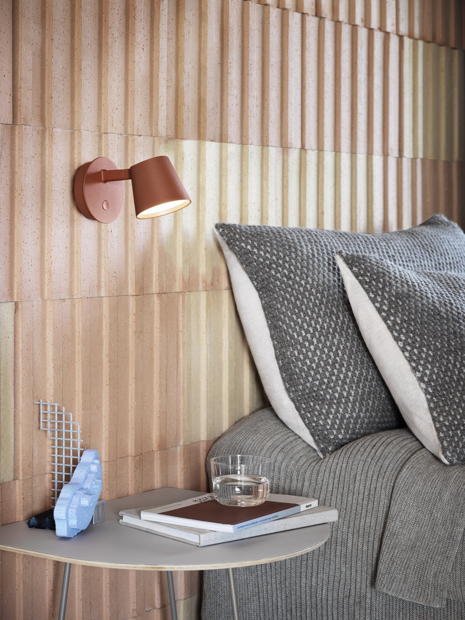Tip Wall Lamp, Copper Brown fra Muuto
